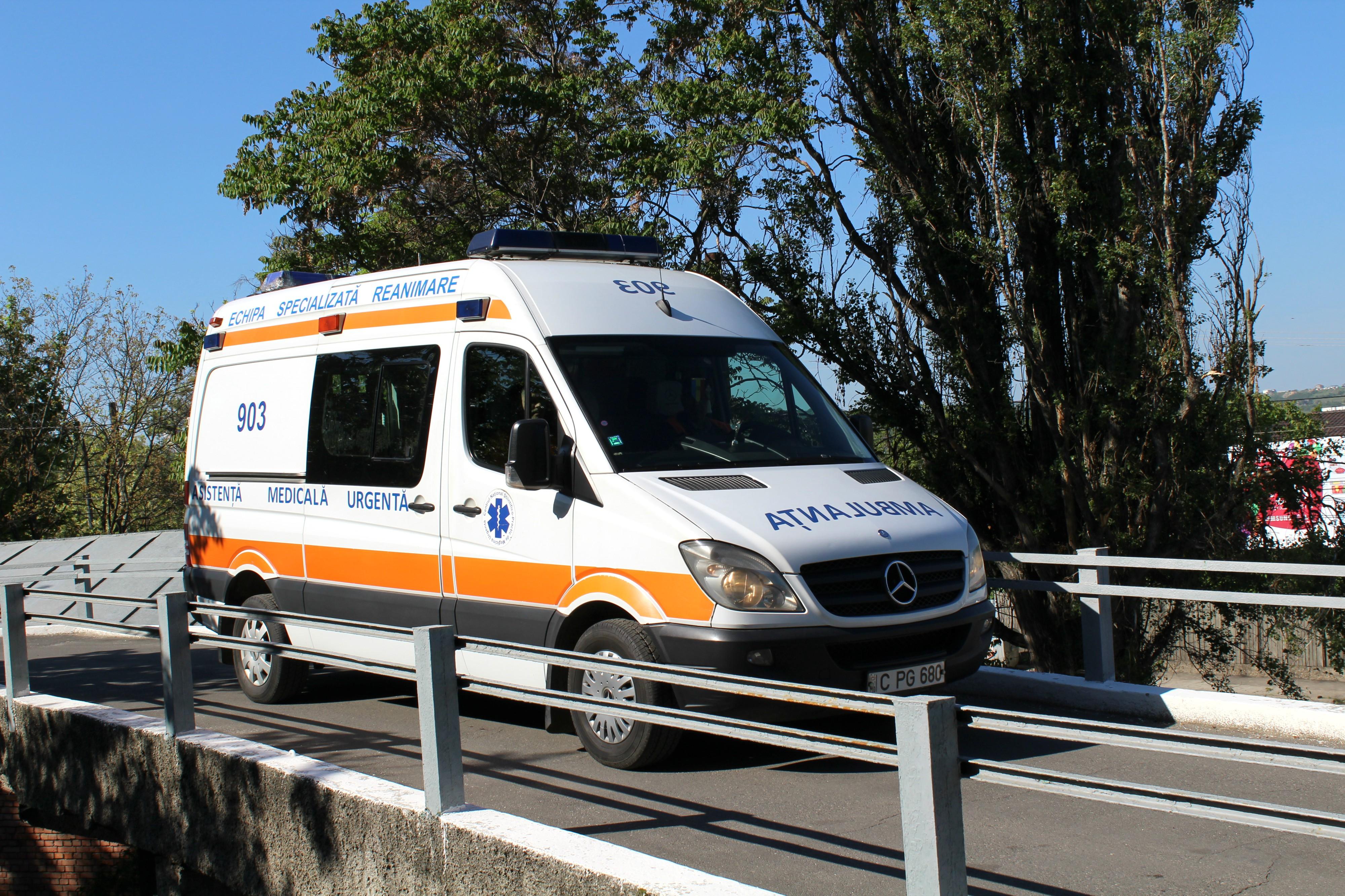 Unsprezece persoane au fost implicate într-un accident rutier din capitală