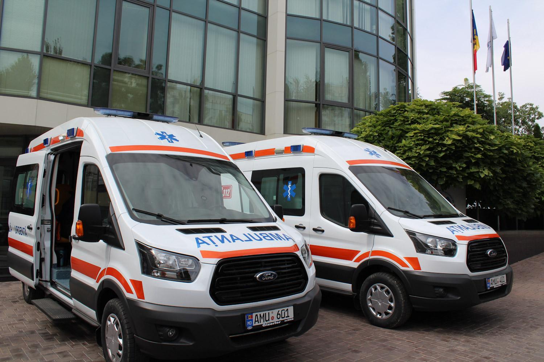 Două ambulanțe noi de tip B și C repartizate la SAMU Bălți
