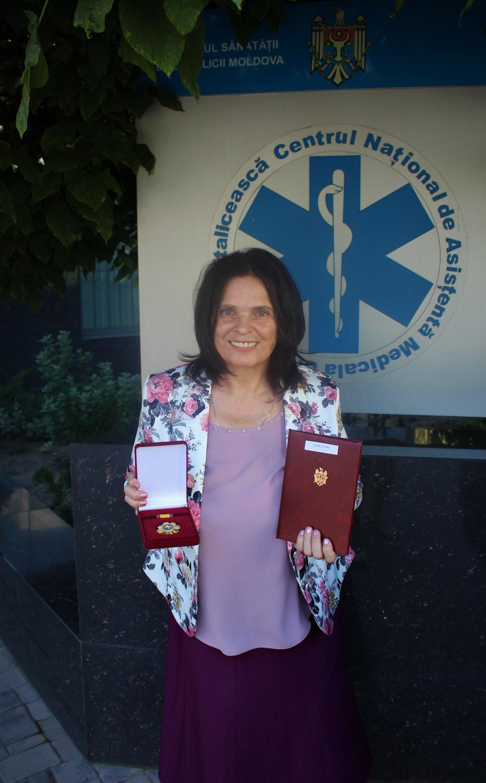 """Ordinul """"Gloria Muncii"""" acordat șefei Substației de Asistență Medicală Urgentă Căușeni"""