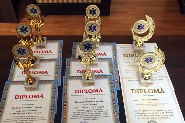 Circa 300 de angajați  ai IMSP CNAMUP din țară au fost apreciați cu  Diplome din partea conducerii instituției